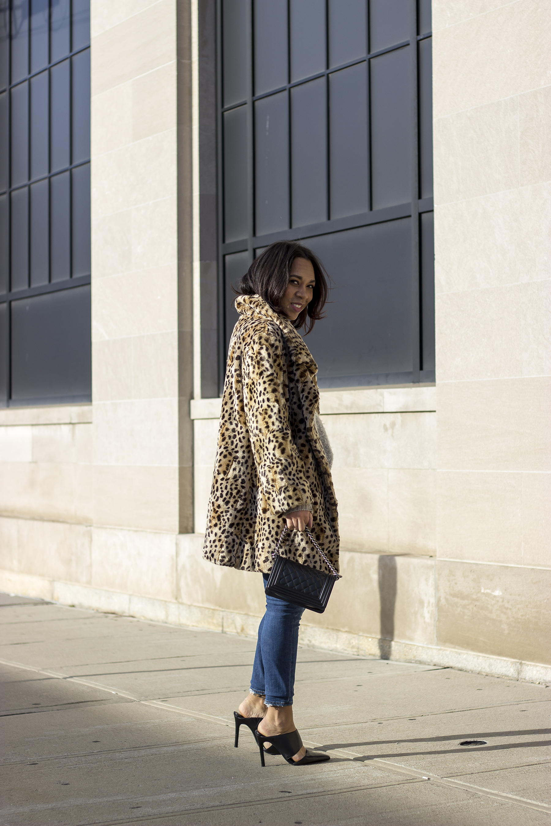 leopard print, leopard print coat, leopard faux fur jacket, leopard faux fur coat, shein leopard print jacket, shein leopard print coat, leopard print  faux fur under 40, thewaytomyhart, the way to my hart, Jessica Hart, style blogger, winter style, faux fur style